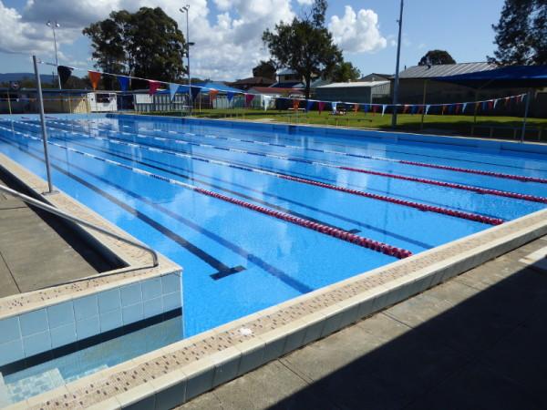Oak Flats Pool
