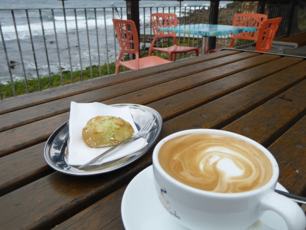 Barefoot Café for coffee at Macmasters Beach